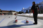 Curling_by_Jungfrau_Region_28329.jpg